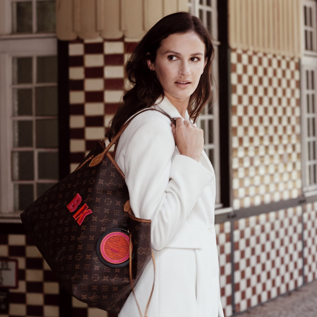 1 LV-Tasche-Single-letters-+-Cities-Atmo